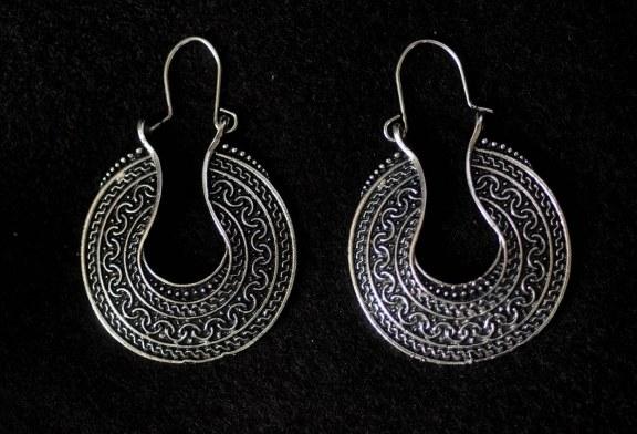 Jak powinny wyglądać idealne kolczyki srebrne